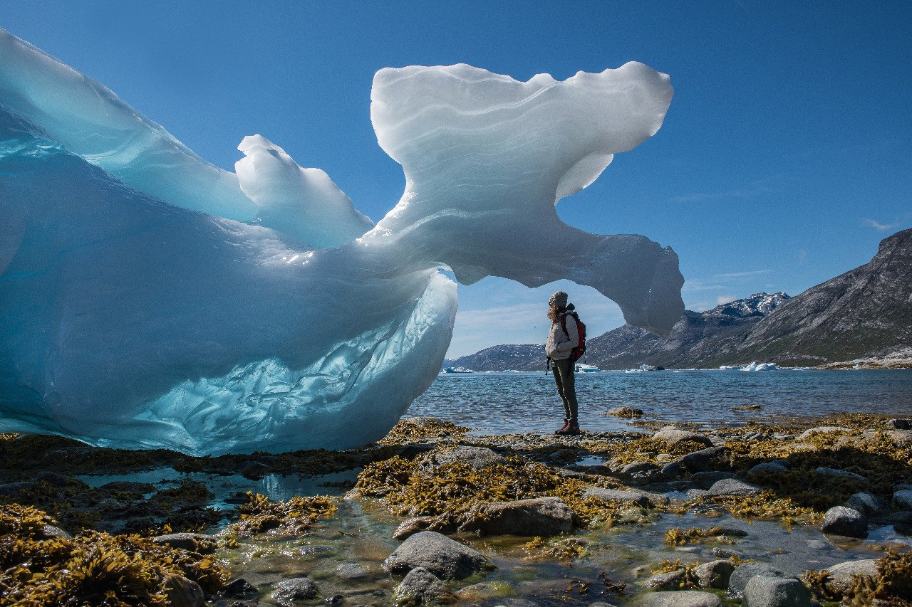 greenland-formed-icebergs-on-the-beach